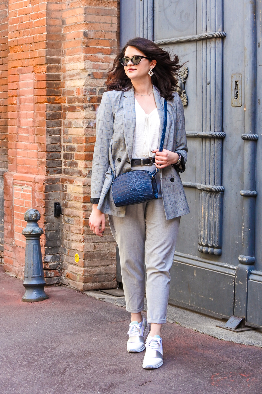 Look n°175 • Costume gris pour aller travailler