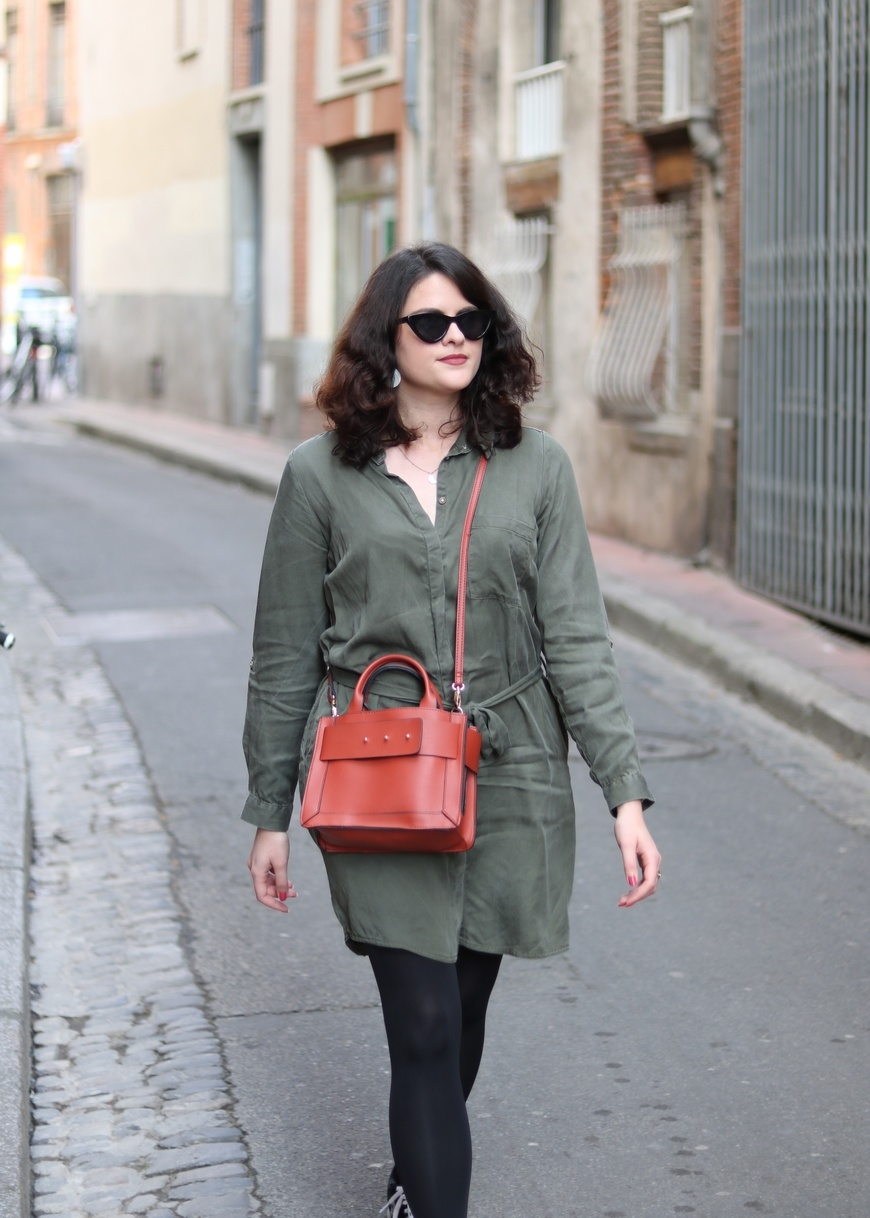 Look n°175 • Robe chemise pour un style casual