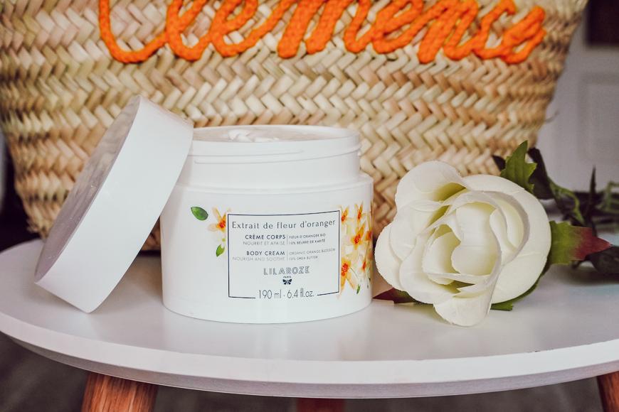 La crème pour le corps à la fleur d'Oranger