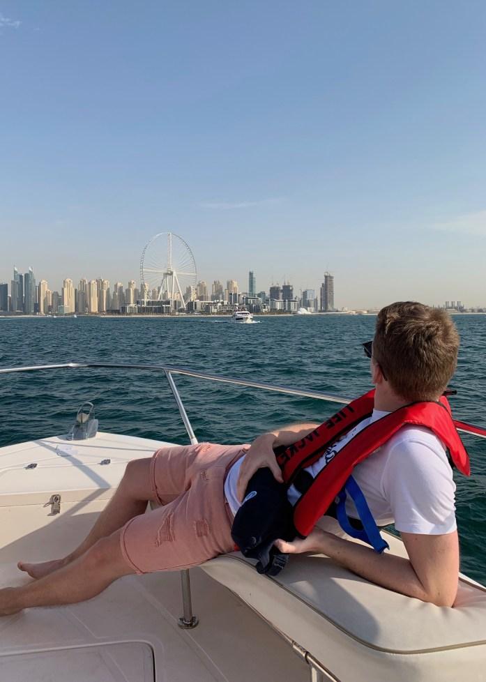 boat trip dubai abu dhabi