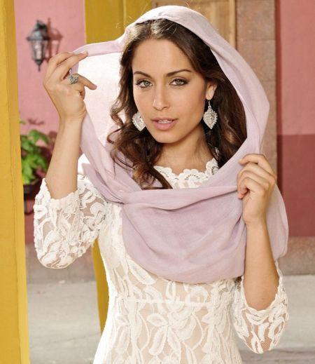 El estilo de la protagonista de El Príncipe: Hiba Abouk