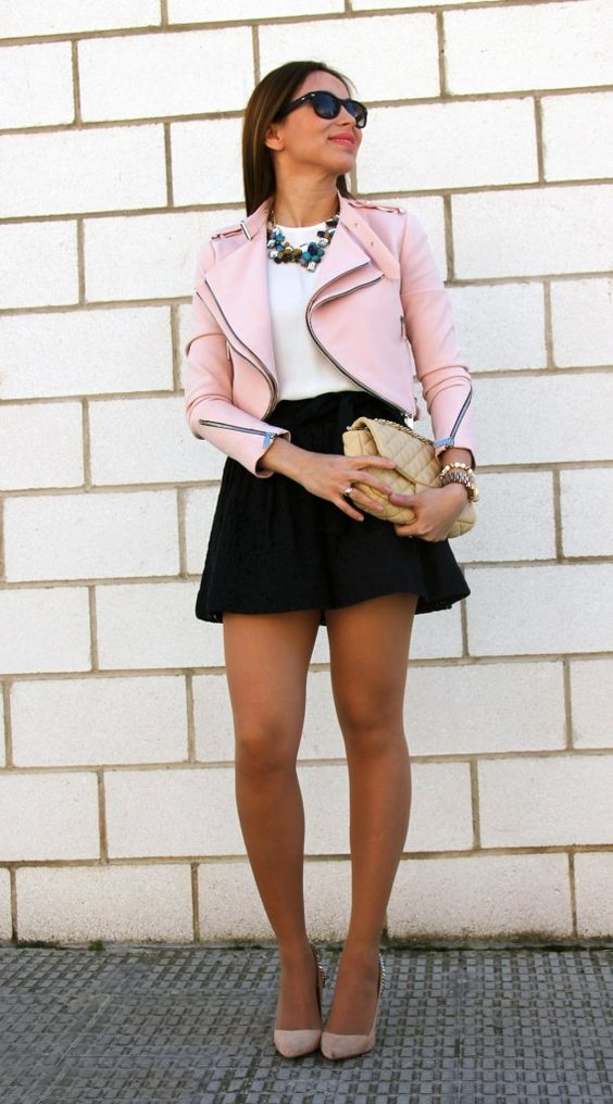 4 formas de combinar una chaqueta rosa