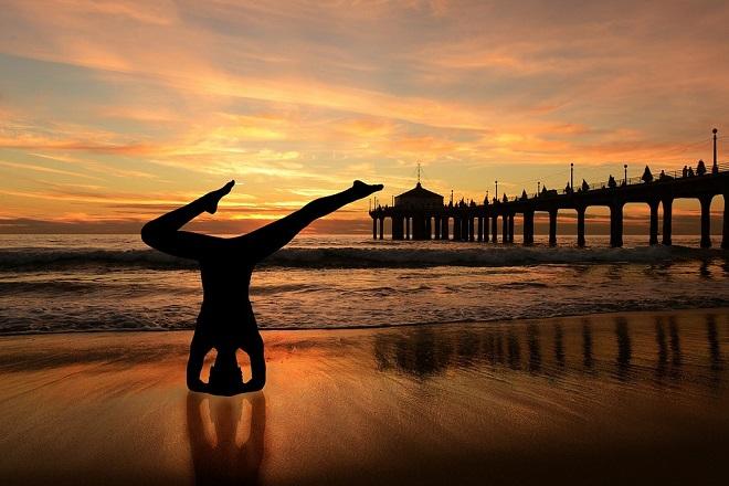 NakedCrossfitYoga Yoga al desnudo y fitness