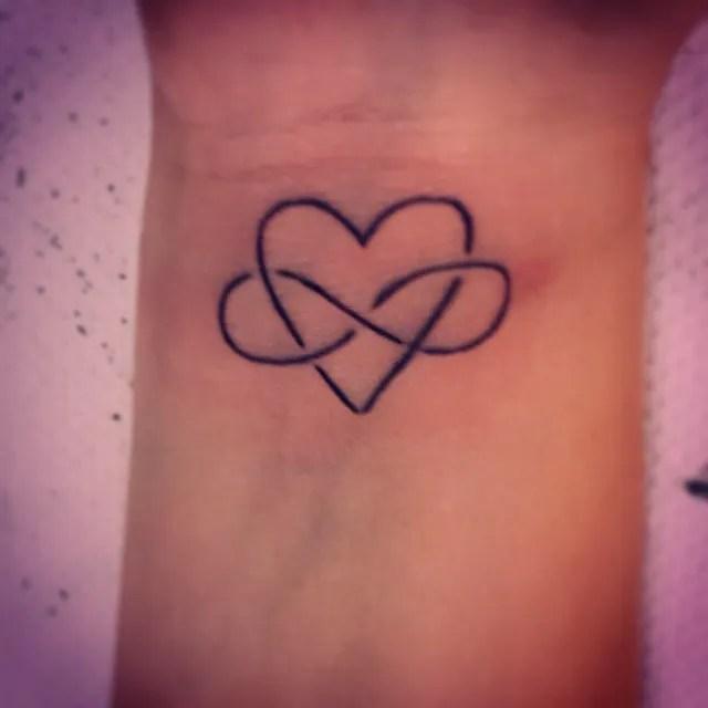 Los Tatuajes De Infinito Fotos Y Significado Tendenziascom