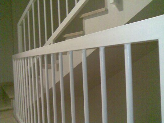 Presupuesto para pintar la barandilla de la escalera de la
