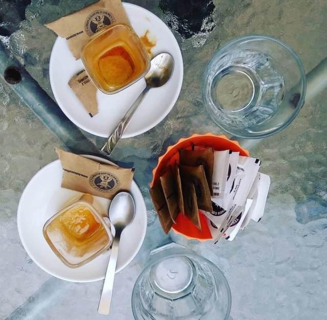 Kaže se da je šećer prijatelj loše kave. Koliko smo kalorije unijeli kad stavimo šećer u kavu?