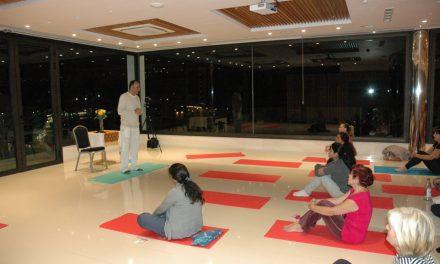 Yoga por una buena causa
