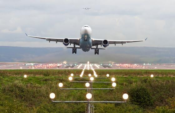 România închide traficul aerian către și dinspre Italia