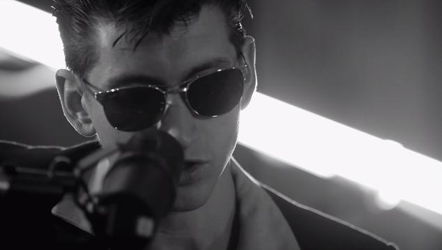 arctic monkeys do i wanna know acustico Arctic Monkeys lança versão acústica de Do I Wanna Know?