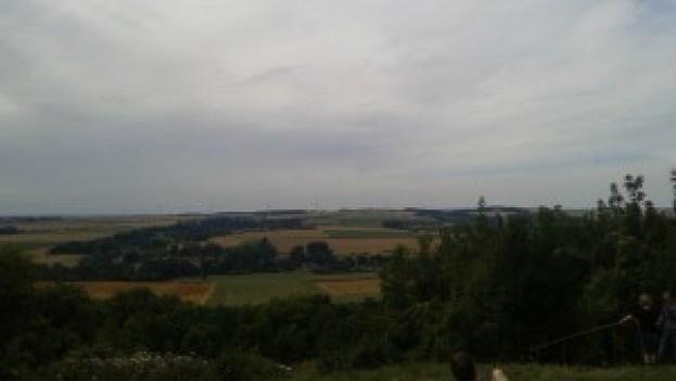 Le paysage du Nord-Pas-de-Calais vu du Parc d'Ohlain... Et pourtant il a fait beau tout au long du voyage...
