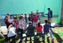 Lanzamiento de Gurises al Tenis en la Plaza de Deportes de Colonia