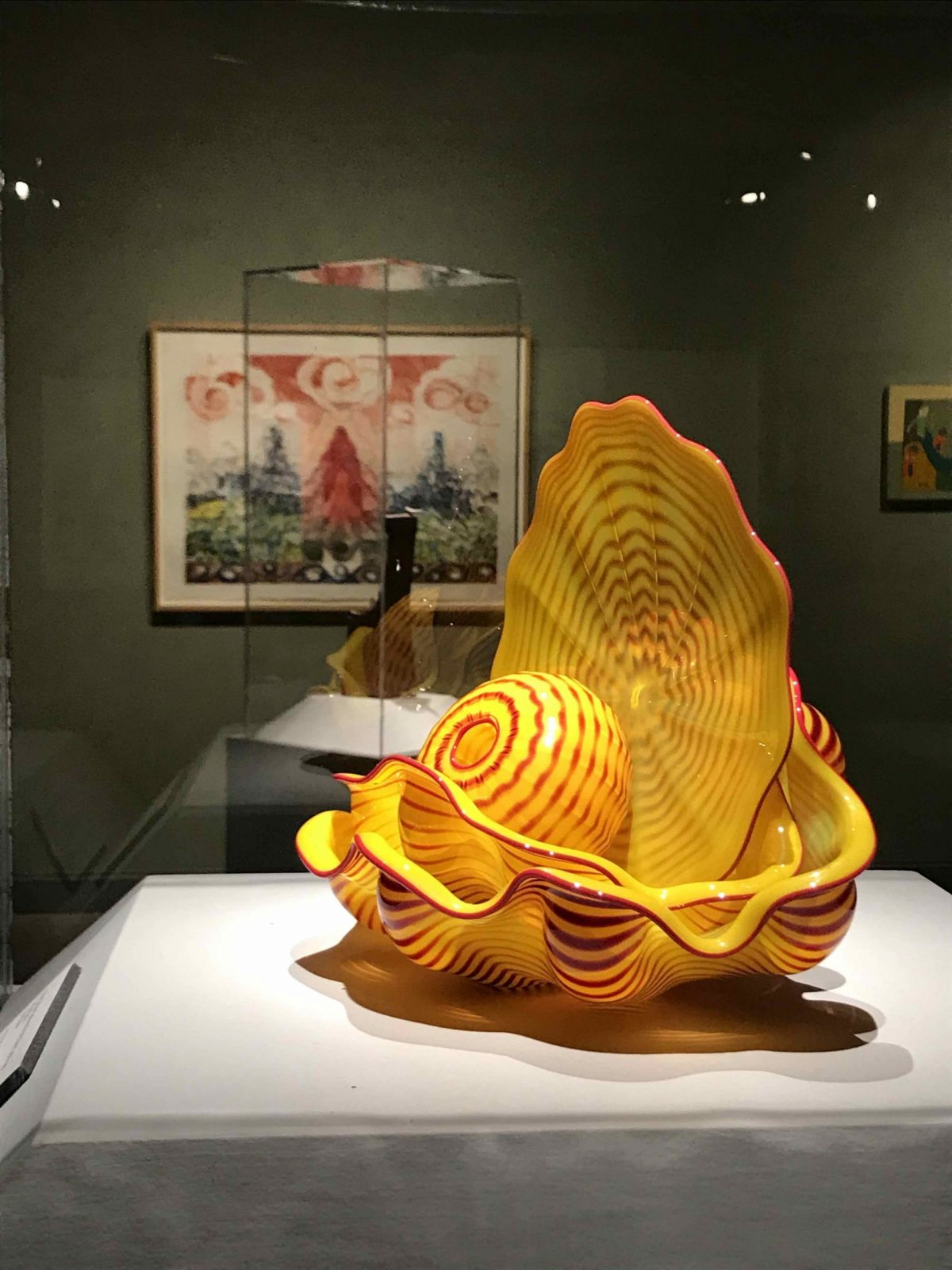 Daisy Yellow Seaform With Flame Lip Wraps (2003) Dale Chihuly