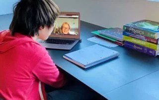 Positive student-teacher rapport online