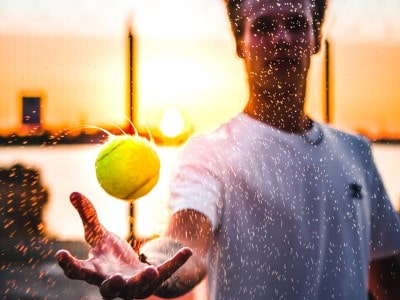 How to Deal With Sweaty Hands in Tennis? 9 Effective Ways ...