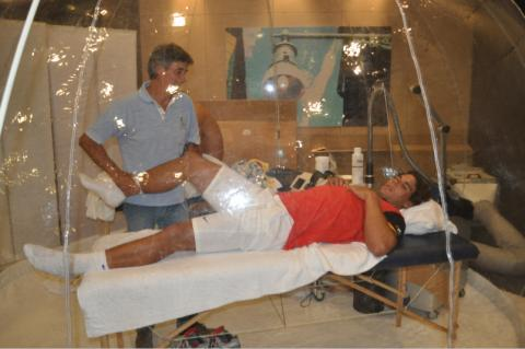 Rafael Nadal oxygent tent rehab knee 2011 Rafa pictures photos images