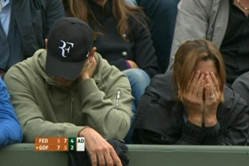 Mirka Federer Paul Annacone face covered disappointed worried nervous Roger Goffin match Roland Garros French Open pictures photos screencaps images