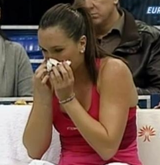 Jelena Jankovic allergies blowing nose kleenex tissues photos pictures images screencaps