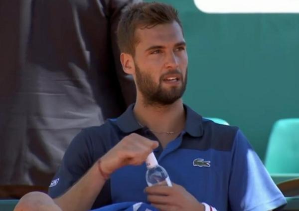 Benoit Paire changeover Dodig match Monte Carlo water bottle