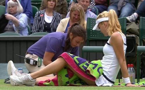 Agnieszka Aga Radwanska MTO bare legs massage towel Wimbledon Li Na matc 2013 images