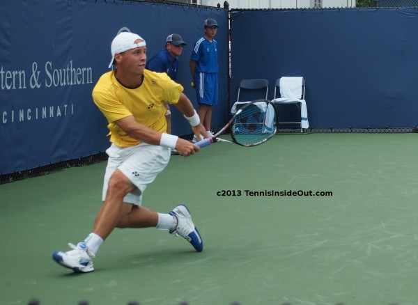 Ricardas Ricky Berankis Rycka stretch scramble for forehand shot qualies Cincinnati 2013