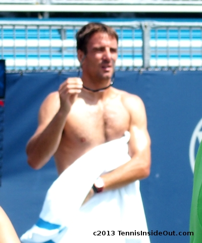 Tommy Robredo Cincinnati Open Masters practice shirtless sunglasses off bare chest nice pecs sexy hot pictures photos