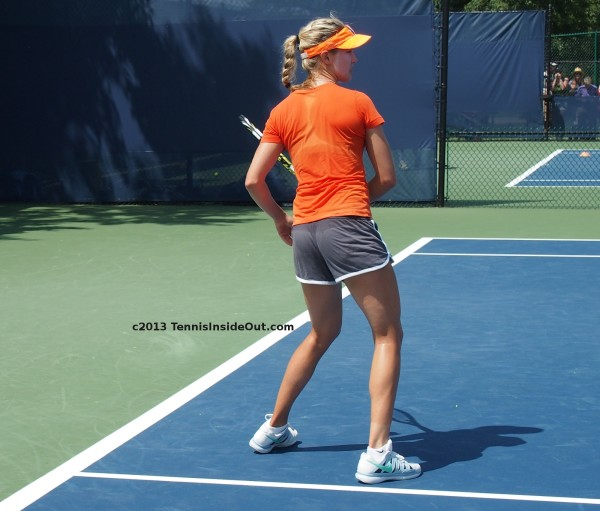 Genie Bouchard forehand follow through swing stance short shorts Cincinnati Open premiere 2013 event practice images
