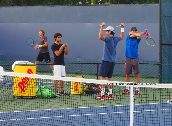Tommy Haas Christian Groh Denis Istomin Cincinnati Open exercises tension stretching