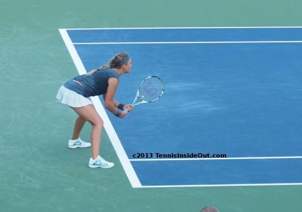 Vika-Serena-returns-P1011814
