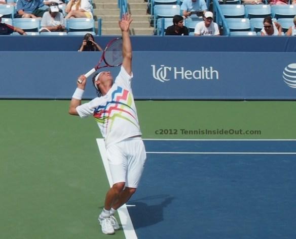 David Nalbandian elegant arch serve ball toss racquet pictures Cincinnati Western and Southern Open 2012 photos