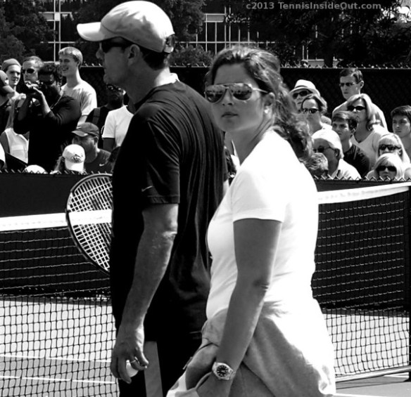 Mirka Federer Paul Annacone black and white photos by Valerie David Roger Federer practice mirrored sunglasses white Nike T coaching pictures images Cincinnati Open 2013 tennis
