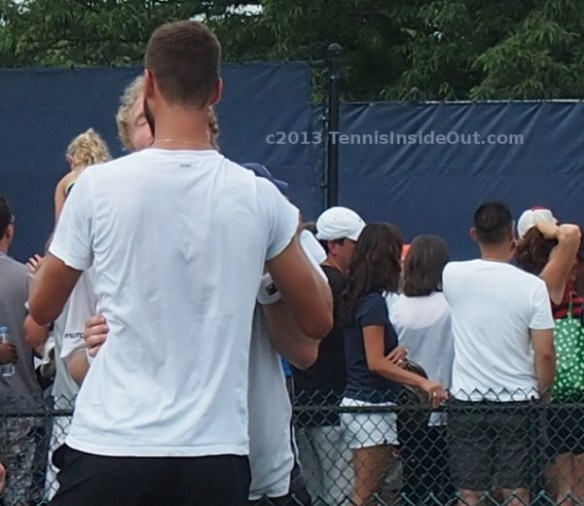 Dmitry kisses Benoit hug cuddle Cincinnati practice 2013 Paire Tursunov
