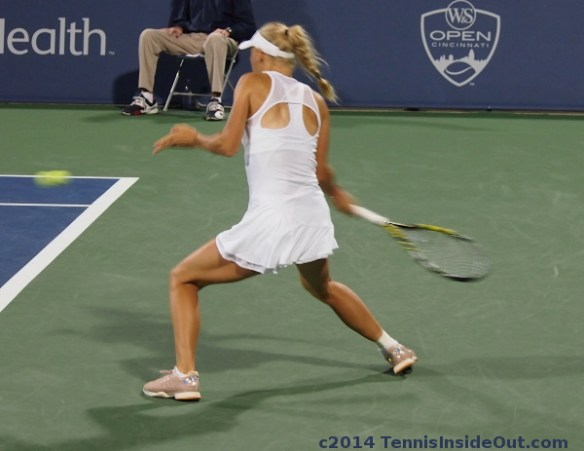 Caro big swing on forehand planted feet set up Zhang match