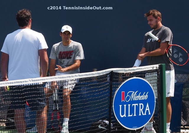 Stephane Vivier Roger Federer Stanislas Wawrinka wristband whit shorts hat chat talk laugh practice Cincinnati