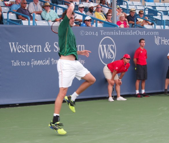 Marcel Granollers high swinging windshield wiper forehand follow through Cincy pics Verdasco match 2014