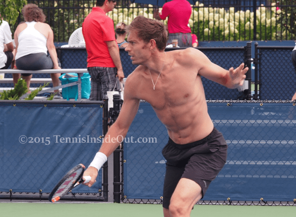 Nicolas Mahut backhand volley at net shirtless abs neck muscles sexy sweaty