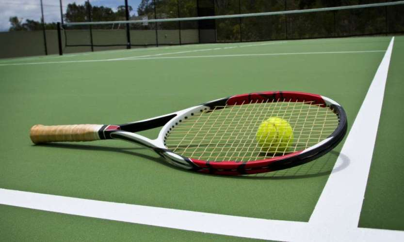 How to Pick a Tennis Racket for Your Needs