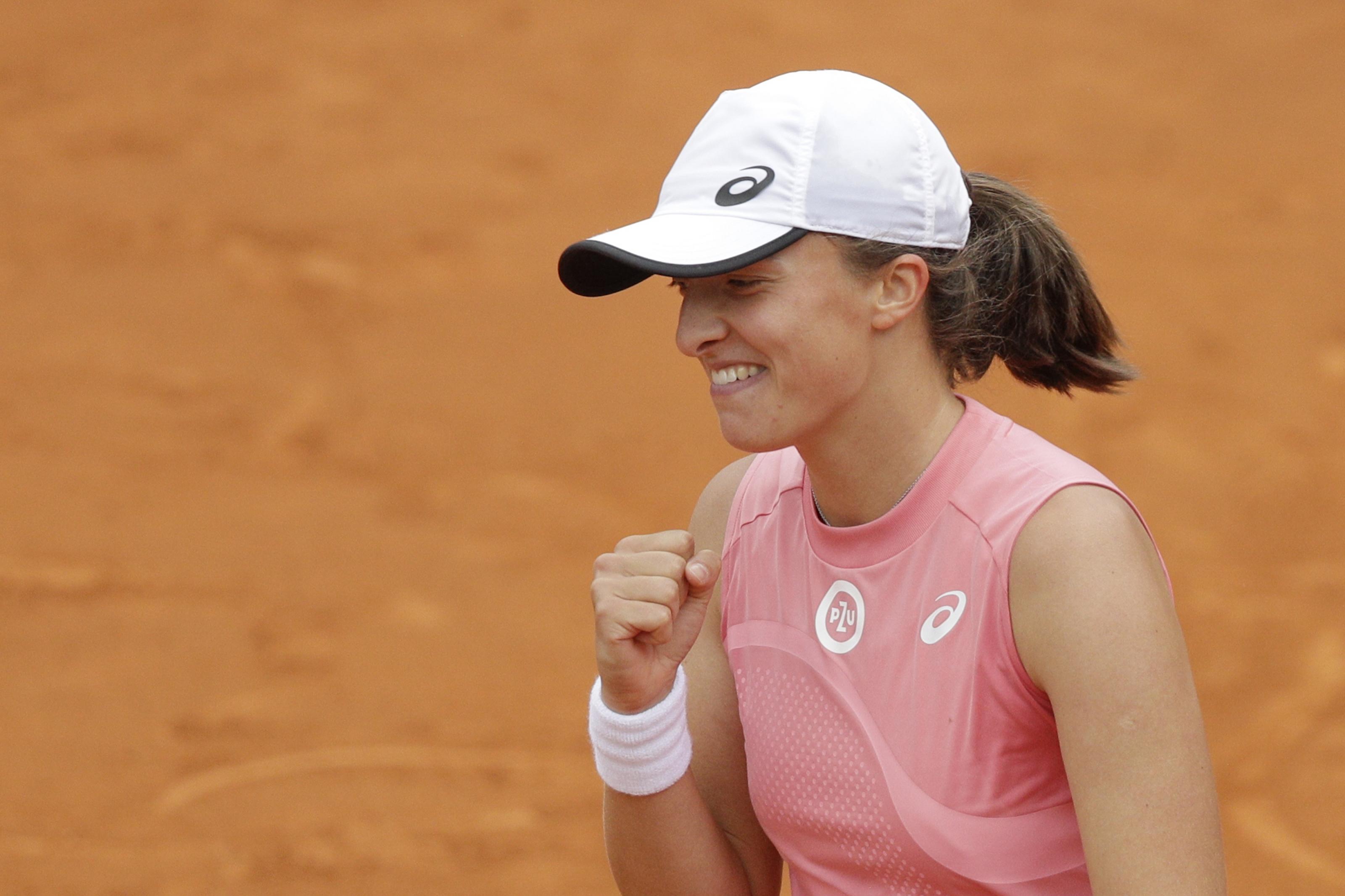 Roland Garros 2021: Iga Swiatek vs. Rebecca Peterson Tennis Pick and Prediction