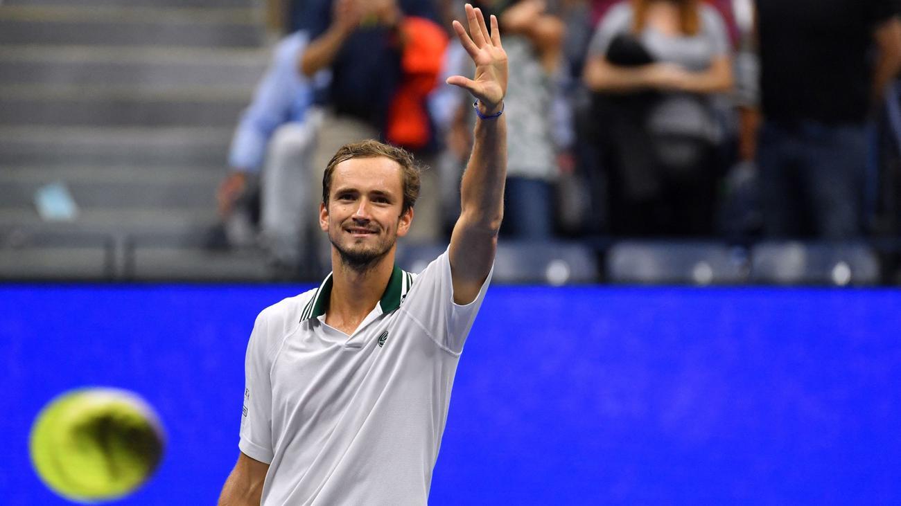 US Open 2021: Daniil Medvedev vs. Botic van de Zandschulp Tennis Pick and Prediction