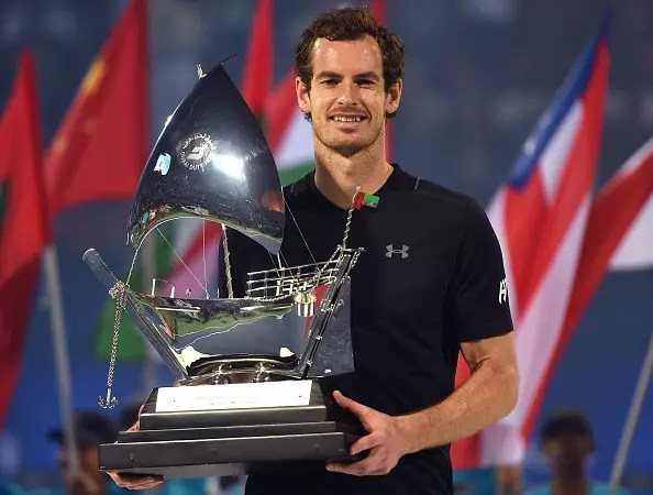 Murray cruises to title