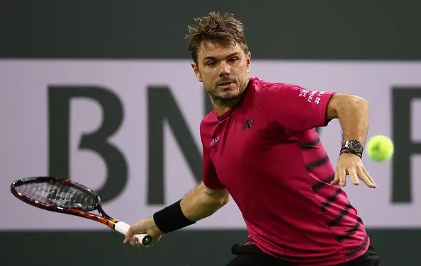Wawrinka survives into the semis