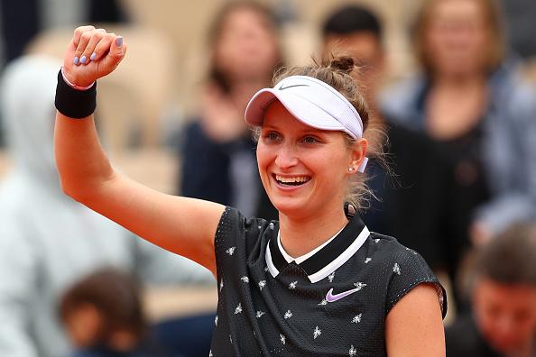 Paris | Konta lets Vondrousova through to face Barty in final