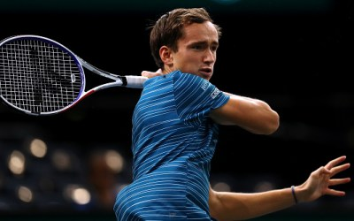 Paris   Medvedev suffers early loss