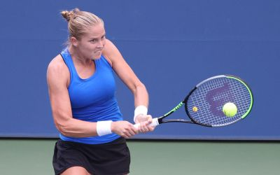 Rogers outlasts Kvitova to meet Osaka