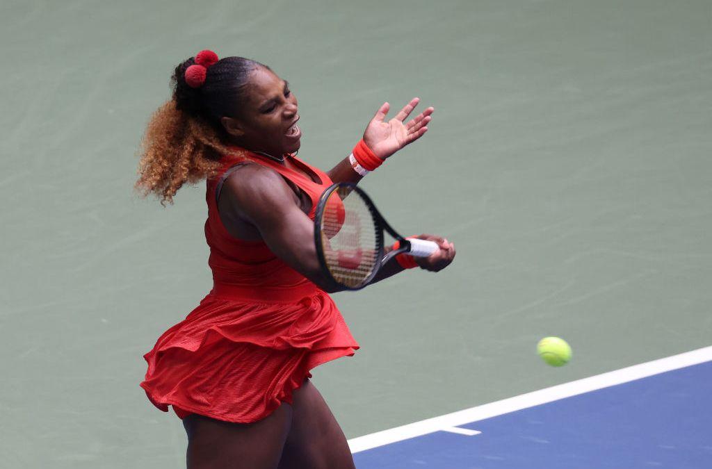 Serena sets sights on Azarenka in semis