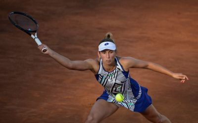 Mertens motors as Riske and Vekic fall in Rome