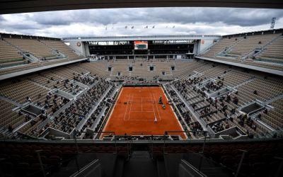 Roland Garros remains on track