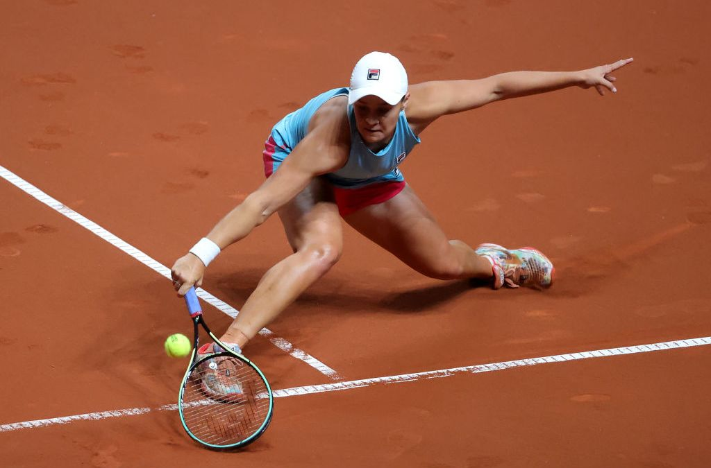 Barty and Svitolina back from the brink as Halep cruises