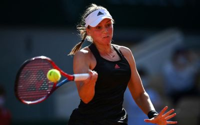 Rybakina stops Serena in Paris