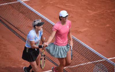 Swiatek and Krejcikova to meet in Paris Doubles Final