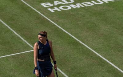 Kvitova and Kerber advance in Bad Homburg as rain delays play in England